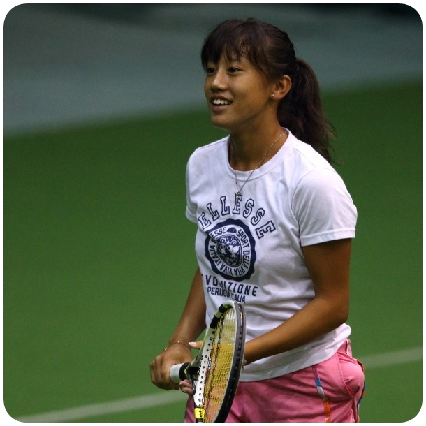 テニスの加藤未唯がかわいい!ラケット・ウェアー・シューズは?動画も