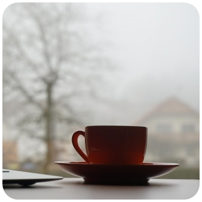 小林麻耶のカップと美脚の過激画像!かわいい歌動画も!