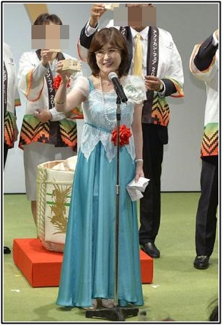 稲田朋美の服装は痛いか?