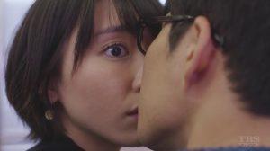 ガッキーと星野源が逃げ恥の中でキスとは!!!